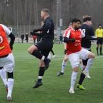 Hassan Ashraf dansar med Brämhultsförsvare