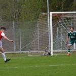 Ajlo Sarajlic snurrar runt med försvarare