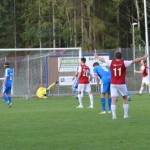så här glad blir elias larsson när 2-0 målet sitter