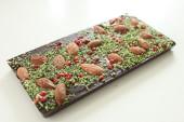 Pralinhusets - 70% Kakao – Broccoli, Mandel & Rosépeppar