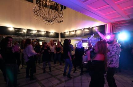 Lovestruck uppträder på event i Mariefred