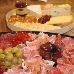 Beställ din ost och charkbricka hos Tant Grön  på Bjäre utanför Båstad