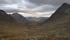Strax efter att Basejávri hade passerats så kom en lång nedförsbacke i en stor fjälldal. Långt ner i fjälldalen finns Hunddalshytta.