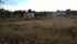 Ett stort vitt hus från en tid som flytt.