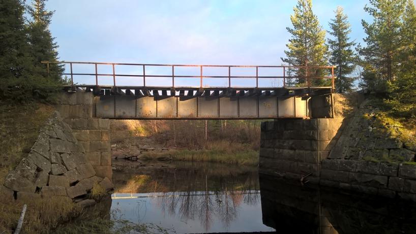 En av broarna mellan Övertorneå och Karungi.