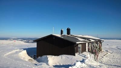"""""""Åke på toppen"""",heter toppstugan på Dundret."""