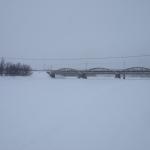 Älven är på vintern ett populärt färdstråk för snöskoteråkare.