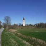 Det finns många kyrkor på Gotland.