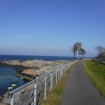 Cykelväg vid vattnet.