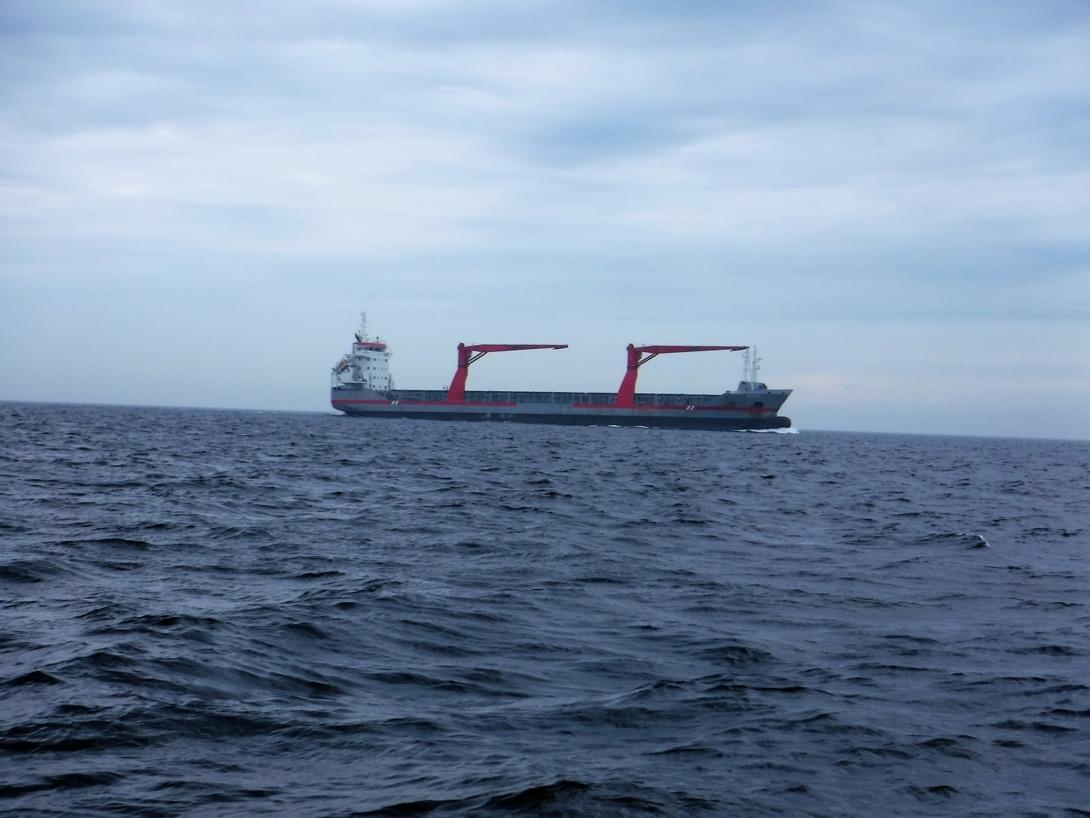 En båt på stora havet.