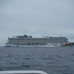 Kryssningsfartyget Norwegian Getaway körde om mig strax innan jag skulle korsa farleden och vika av in mot Ven.