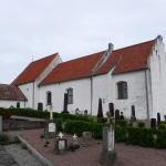 Sankt Ibbs gamla kyrka finns vid Kyrbacken på Ven.