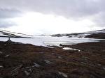 Is på en fjällsjö.