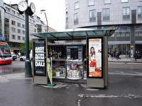 En sorts kiosk i Prag.