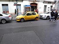 Vi såg flera bilar som man hade låst hjulen på, antagligen eftersom att de var felparkerade.