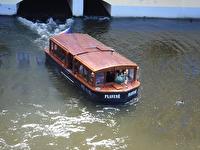 En passagerarbåt.