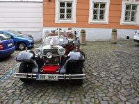 Ännu en bil i en gammal stil.