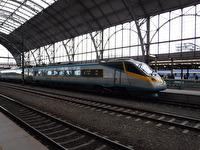 Några tåg vid Prags centralstation...
