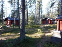 Stugplatsen Manson. Här finns såväl en stuga för besökare och en stuga för de som arbetar i nationalparken.