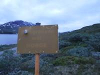 Skylt som upplyser att man kommer in i Norge.