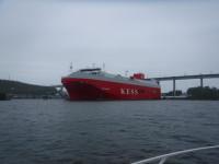 En stor båt i Södertälje.
