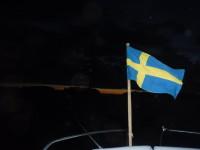 På natten tar vinden i, där jag ligger förtöjd vid Gräddö.