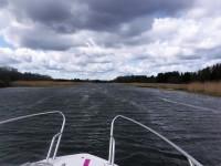 På väg in mot Väddö kanal.