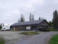 Lanthandeln på Holmön ligger nära färjeläget i Byviken.
