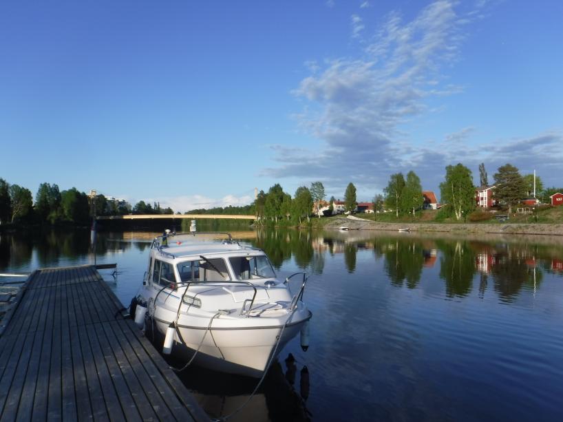 Jag har stannat till vid en brygga vid Skellefteå.