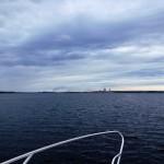 Här är jag på väg över Yttrefjärden och i bakgrunden ser man Munksunds pappersbruk.