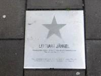 """Med inspiration från """"Hollywood Walk of Fame"""" finns i Piteå: """"Piteå Walk of Fame"""", där man i gatuplattor skrivit ner namnen på flera kändisar med anknytning till Piteå, vilket är en hel del personer."""