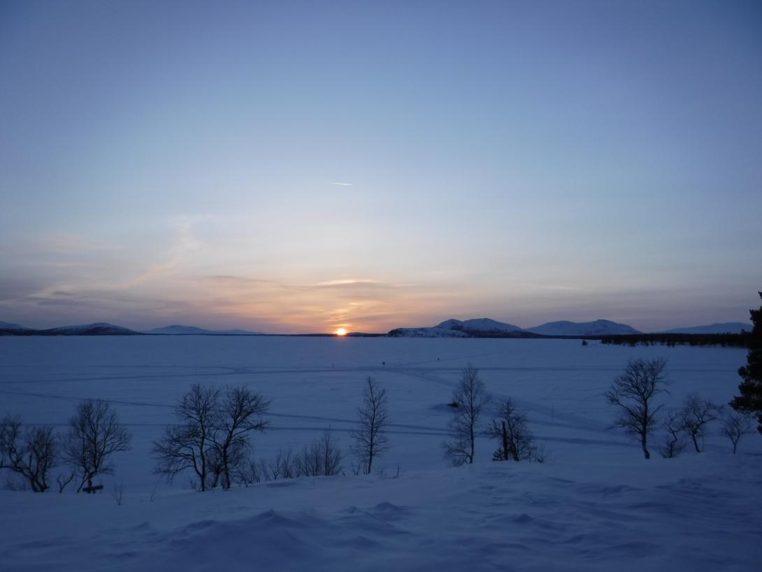 Solnedgång vid Rogenstugan.