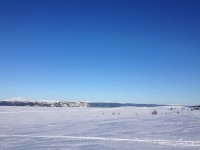 Blå himmel och vit snö är ju trevligt.
