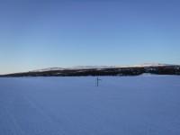 Ute på sjön Hävlingens is, invid Hävlingsstugorna.