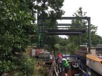 Vi inväntar att bron vid Västerkvarn ska öppnas.