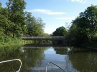 Längre än hit kom vi inte i Torshällaån, då den låga bron stoppade vår fortsatta framfart.