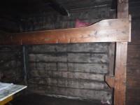Sängarna i Lisas stuga saknar numera madrasser.