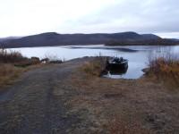 Båtbryggan i Nikkaluokta, varifrån man kan välja att åka båt en bit in i Vistasdalen, om man vill.