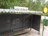 Hållplatskuren vid järnvägen i Håverud.