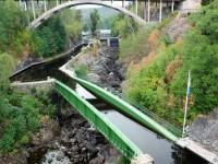 Från tåget ser man akvedukten i Håverud riktigt bra.