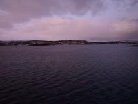 Trots att det är mitt på dagen så är dagsljuset inte så kraftfullt i Nordnorge i mitten på december.