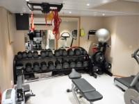 Långt ner i MS Vesterålen finns ett litet gym.