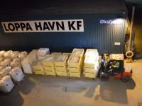 I Øksfjord var det mycket gods som skulle lastas ombord på MS Vesterålen.