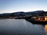 Stokmarknes där Hurtigrutmuseet och det gamla fartyget MS Finnmarken är placerat på land.