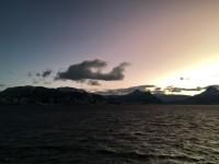 En ny resdag på havet, så att man åter kan se och fotografera landskapet under några timmar mitt på dagen, innan det åter mörknar.