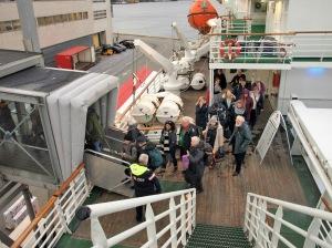Det är dags att lämna MS Vesterålen, då fartyget kommit tillbaka till färjeterminalen i Bergen igen.