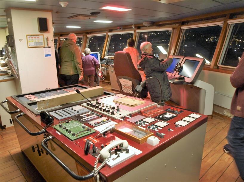 Besök på MS Vesterålens kommandobrygga.