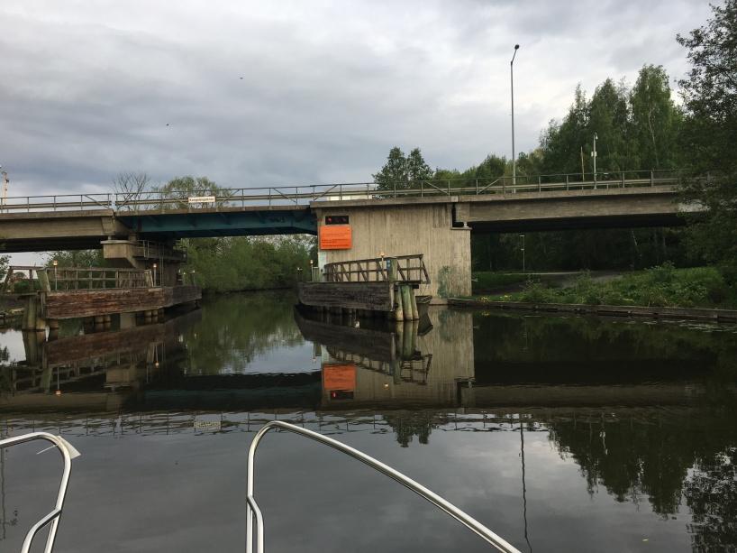 I Fyrisån mellan Uppsala och Mälaren.