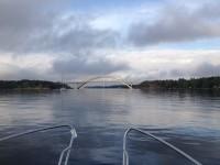 Djuröbron över Brevikssundet.
