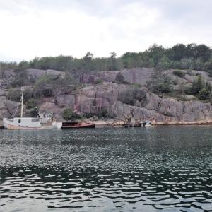 Flera båtvrak, i Bohuslän.
